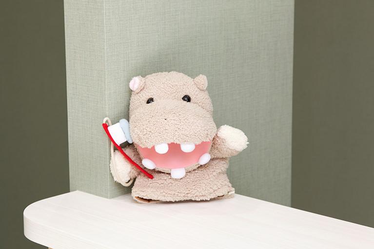 歯を「抜かない」「削らない」負担の少ない治療を行っています